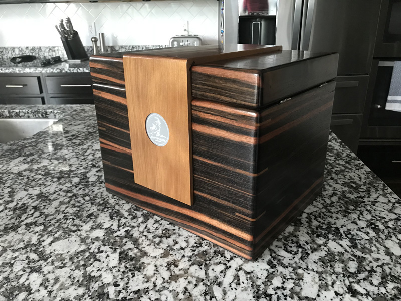 The Lancelot #028 - Desktop Cigar Humidor